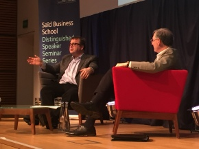 Reid Hoffman mid-interview with Saïd Business School Dean Peter Tufano